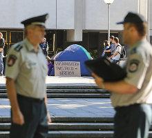 Iš Kauno atvykę protestuotojai prie Vyriausybės pasistatė palapines: reikalauja atšaukti Darbo kodeksą