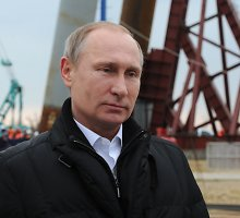 """Vladimiras Putinas: """"Rusija nedalyvaus ginklavimosi varžybose"""""""