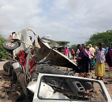 Somalyje sprogus pakelės bombai žuvo aštuoni mikroautobuso keleiviai