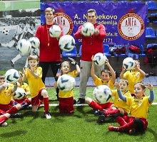 """Futbolo akademiją įkūręs Arminas Narbekovas: """"Vaikai žino Messi ir Ronaldo, o ne mane"""""""