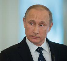 Tebetvyrant įtampai Baltijos jūros regione, Vladimiras Putinas vyksta į Suomiją