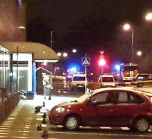 """Naktį policija sostinės Mindaugo g. parduotuvėje """"Maxima"""" ieškojo sprogmenų"""