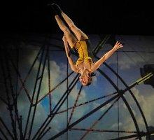 """Kas sieja """"Cirque Éloize"""" ir """"Cirque du Soleil""""?"""