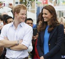 Nauja princo Harry širdies draugė Camilla Thurlow – Kembridžo hercogienės Catherine kopija