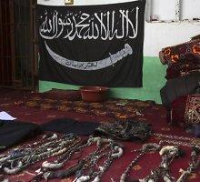 Danijoje išduotas Sirijoje su nukirstomis galvomis pozavusio džihadisto arešto orderis
