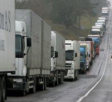 Latvijos ir Rusijos pasienyje dėl papildomos patikros užstrigo 410 vilkikų