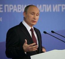 Vladimiras Putinas Sočyje dergė JAV ir melavo, kad Rusija dėl karo Ukrainoje nekalta