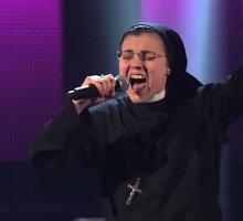 """Vienuolė Cristina Scuccia perdainavo Madonnos hitą """"Like a Virgin"""""""
