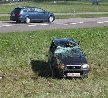 Du automobilius Radviliškyje nusipirkę kirgizai prie Panevėžio juos abu sudaužė