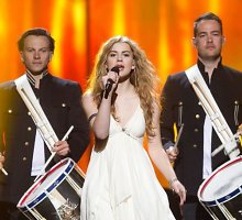 """Kodėl 2013-ųjų """"Eurovizijos"""" nugalėtoja danė Emmelie de Forest nesulaukė komercinės sėkmės?"""