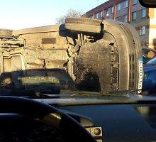 """Vairuotojas Egidijus: """"Ant šono čiuožęs VW sustojo per pusmetrį nuo mano mašinos"""""""