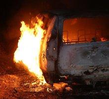 Šilutės rajone sudegė lengvasis automobilis