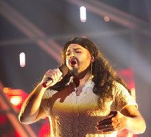 """""""Chorų karų"""" finale uždainavo """"Eurovizijos"""" nugalėtojos Conchitos Wurst antrininkė"""