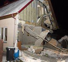 Salininkuose – galingas sprogimas, nukentėjo penki žmonės