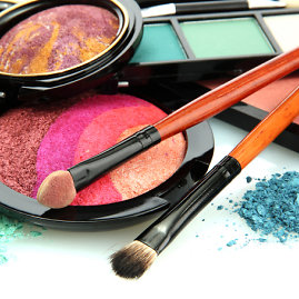 Shutterstock nuotr./Makiažo spalvų paletė