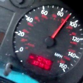Kadras iš filmuotos medžiagos/Filmavęs vairuotojas užfiksavo savo spidometro rodmenis
