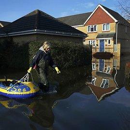 """""""Reuters""""/""""Scanpix"""" nuotr./Potvynis Didžiojoje Britanijoje"""
