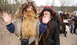 Užgavėnių tradicijas Rumšiškėse įvertino būrys užsieniečių