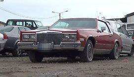 """Gariūnų automobilių turgaus kontrastai: nuo vejančių lauk pardavėjų iki gražuolio """"Lexus"""""""
