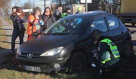 Panevėžyje vilkikas rėžėsi į nėščios moters vairuojamą automobilį