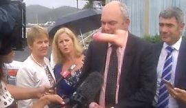 Protestuotoja Naujosios Zelandijos ministrui į veidą sviedė guminį penį