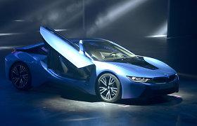 BMW i8 buvo planuojamas su 6 cilindrų, V8 ir net V10 varikliu