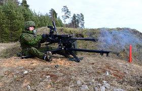 Kazlų Rūdos poligone kariai mokėsi šaudyti automatiniu granatsvaidžiu