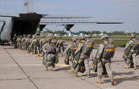 JAV mažins Europoje dislokuotas pajėgas, kad sutaupytų lėšų