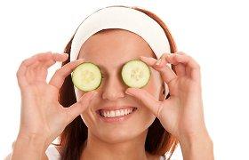 Raukšlės aplink akis: naminės priemonės ir profilaktika