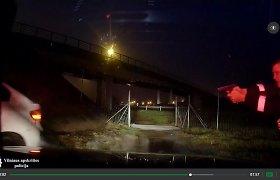 Vokietijoje vogto BMW X6 gaudynės Vievyje: iš poros metrų šaudęs patrulis nepataikė į padangas