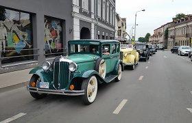 Įspūdingas istorinių automobilių ralis per Baltijos šalis