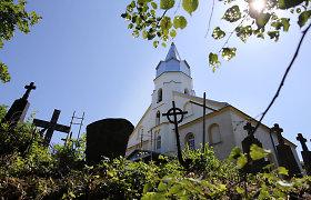 Kauno rajono Lapių bažnyčia garma į prarają