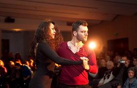 Vilniaus knygų mugėje Kristina Navickaitė-Tina ir Tadas Rimgaila jausmingą šokį skyrė Fridai Kahlo