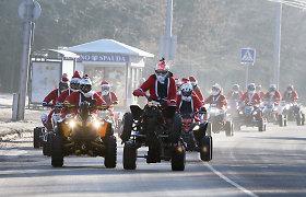 Kauno gatvėmis skriejo Kalėdų senelių paradas