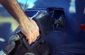 Rusijos benzino gamintojai kainas vasarį kilstelėjo 6,3 proc.