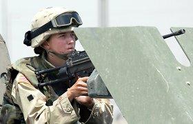 Pentagono viršininkas atvers moterims visus kovinės tarnybos postus