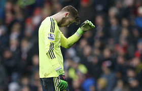 """Jose Mourinho trina rankomis – """"Manchester United"""" pralaimėjo ir autsaideriams"""