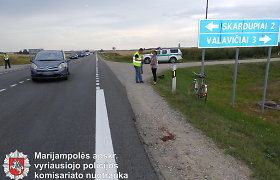 "Prie Marijampolės susidūrusi su automobiliu ""Citroen Picasso"", žuvo dviratininkė"