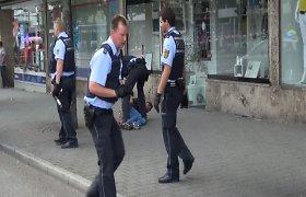 Vokietijos mieste mačete ginkluotas vyras prie kebabinės užmušė moterį, dar du žmones sužeidė