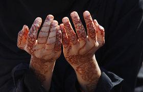 Pakistanietis žmoną sudegino gyvą, nes ji be jo leidimo iškėlė koją iš namų