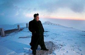 Šiaurės Korėjos žiniasklaida: Kim Jong Unas įkopė į aukščiausią šalies kalną