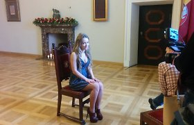Kristina Brazauskienė į ceremoniją Algirdui Mykolui Brazauskui pagerbti atsivedė Moniką Šalčiūtę