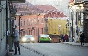 Užupis bijo uždusti nuo mašinų: pagrindinėmis gatvėmis siūloma važiuoti tranzitu