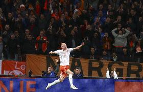 Kontrolinėse rungtynėse Nyderlandai vėl nubaudė Ispaniją, Italija ir Anglija sužaidė lygiosiomis