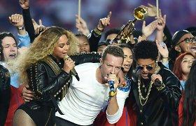 """""""Super Bowl"""" fiestoje – iš koto verčiantis """"Coldplay"""", Beyonce ir Bruno Marso šou"""