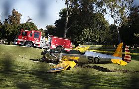 Sudužo aktoriaus Harrisono Fordo pilotuojamas mažas lėktuvas
