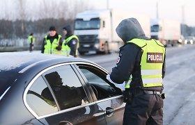 Policijos pareigūnai atsispyrė pagundai: neblaivus vairuotojas Trakų raj. jiems siūlė įspūdingą kyšį