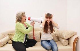 Kovingos tėvų reakcijos užkerta kelią vaikų atvirumui apie patiriamas patyčias