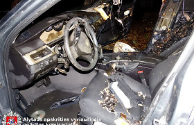 Penktadienio 13-osios naktį Alytuje sudegintas 7 000 eurų vertės BMW