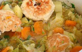 Mairūno receptai: greitasis kalakutienos kukuliukų ir daržovių troškinys